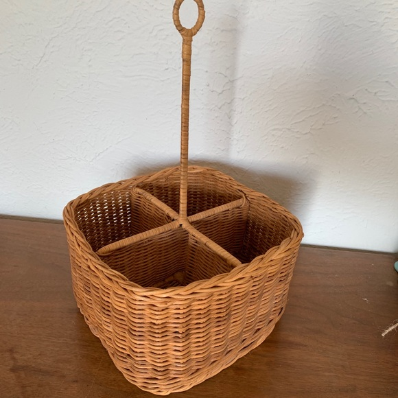 Wicker Divided Basket with Handle